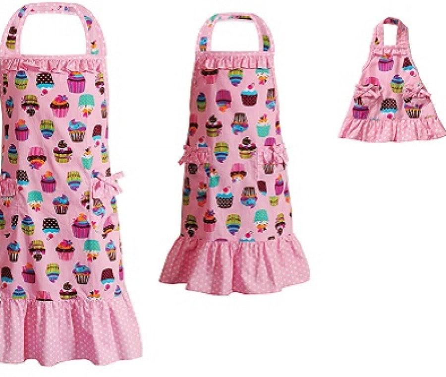Vestiti per bambole e bambine | Grembiule rosa con volant | Foto