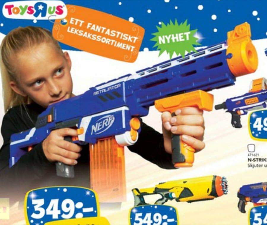 bimba-con-la-pistola-giocattolo
