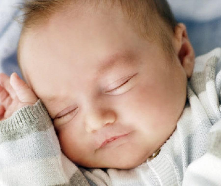 le-fasi-del-sonno-neonatale-sono-diverse