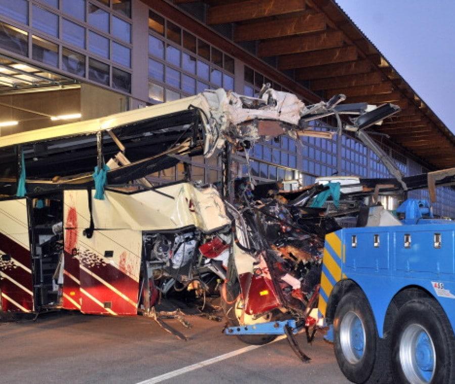 pulmann-incidente-tunnel-in-svizzera