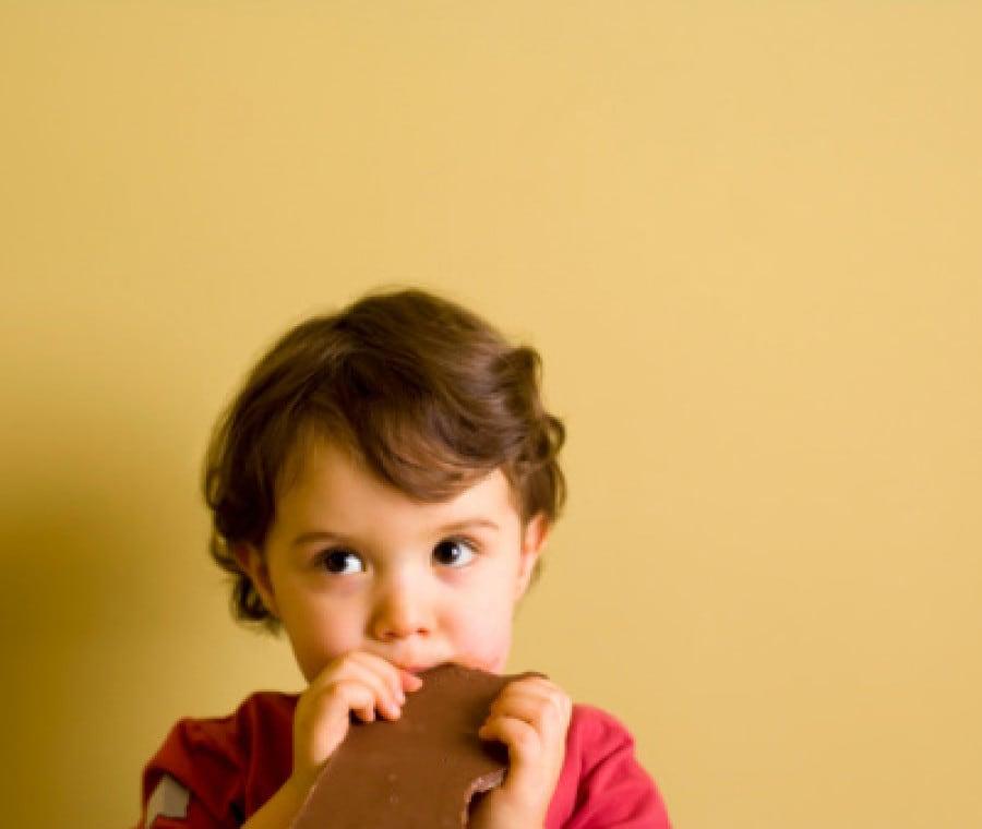 l-alimentazione-del-bambino-a-12-mesi