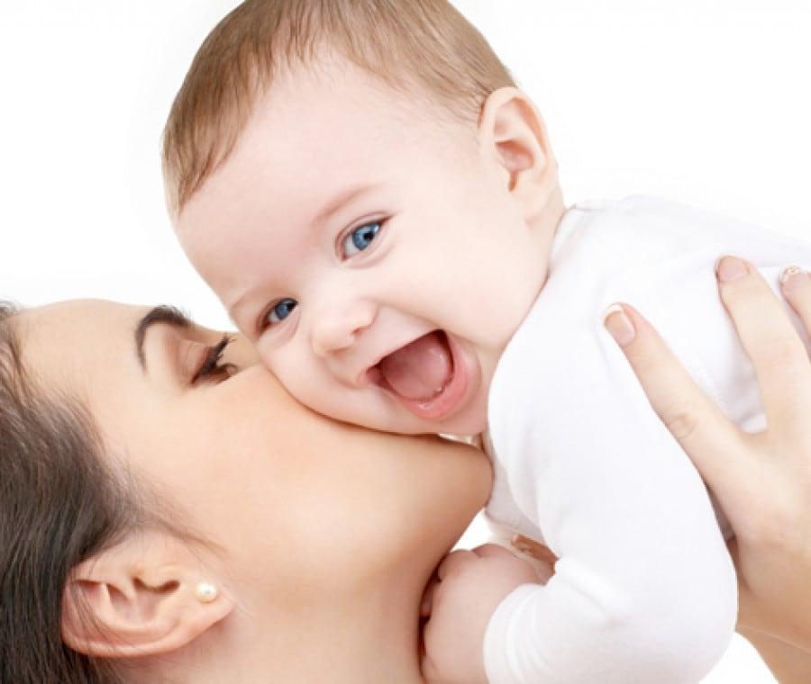 amare-il-neonato-piu-del-bimbo-grande
