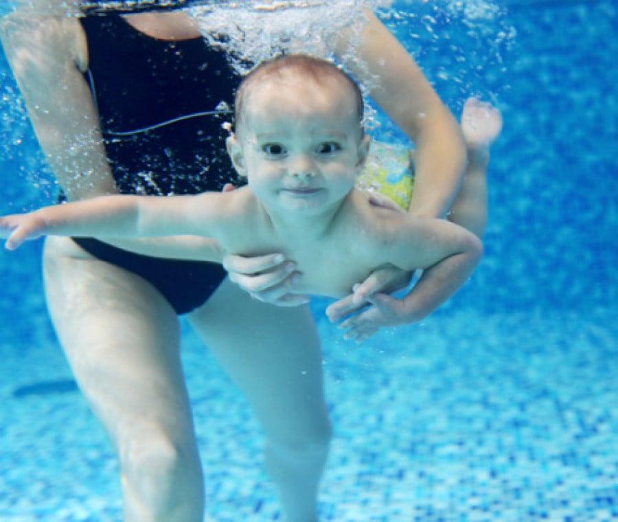 neonato-in-acqua