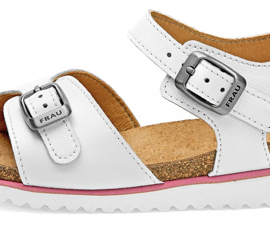 Sandali bianchi (FOTO)