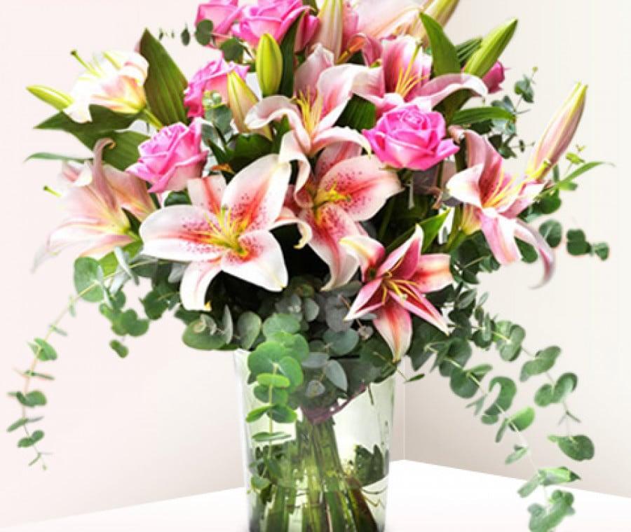 Regali per la Festa della Mamma 2015 | Mazzo rose e gigli | Foto