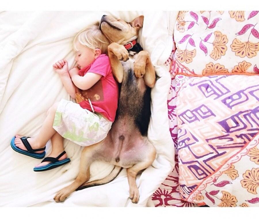 theo-beau-mentre-dormono