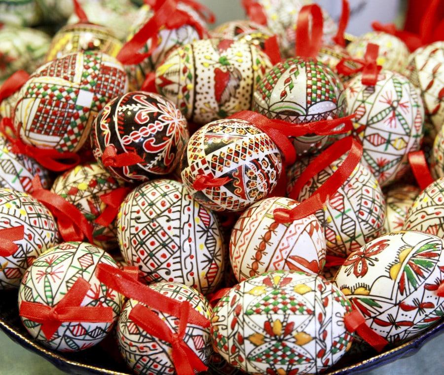 Uova di Pasqua in plastica